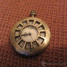 Recambios de relojes: MUY ANTIGUA CAJA DE RELOJ DE BOLSILLO. BRONCE LABRADO, 4 CMS DIAMETRO. Lote 30608617