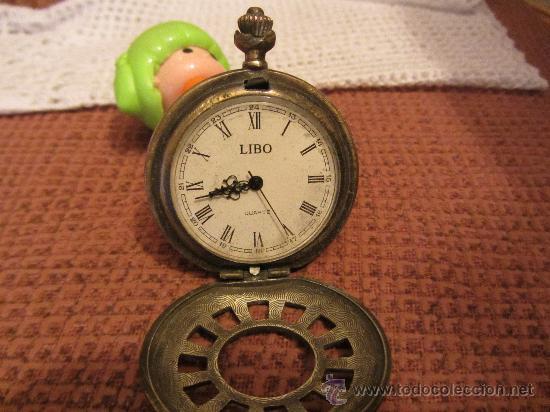 Recambios de relojes: MUY ANTIGUA CAJA DE RELOJ DE BOLSILLO. BRONCE LABRADO, 4 CMS DIAMETRO - Foto 3 - 30608617