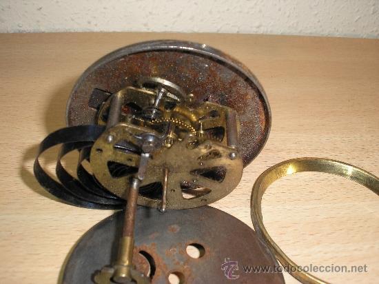Recambios de relojes: Antigua maquinaria completa de reloj Art Nouveau de encastrar para piezas- año 1910 - Foto 2 - 36674487