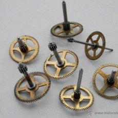 Recambios de relojes: TODOS PIÑONES MAQUINARIA RELOJES KUNDO 400 DÍAS.. Lote 43455099