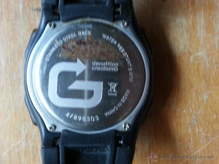 Recambios de relojes: RELOJ DIGITAL ACUATICO FUNCIONANDO FALTA UN TROZO DE CORREO DE GOMA - Foto 2 - 53741992