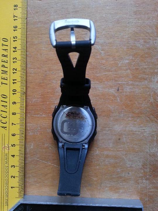 Recambios de relojes: RELOJ DIGITAL ACUATICO FUNCIONANDO FALTA UN TROZO DE CORREO DE GOMA - Foto 3 - 53741992