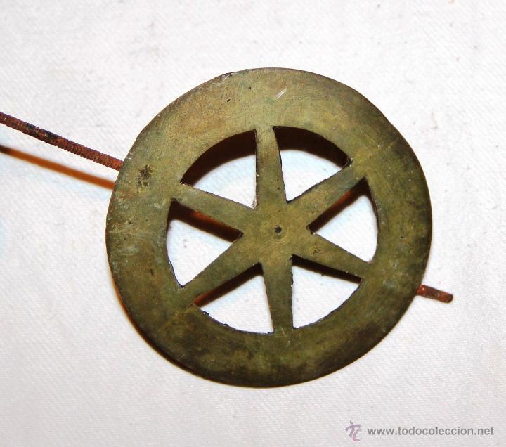 Recambios de relojes: ANTIGUO DISCO DE PENDULO DE BRONCE PARA RELOJ DE PARED SELVA NEGRA , RATERA - Foto 3 - 54577051