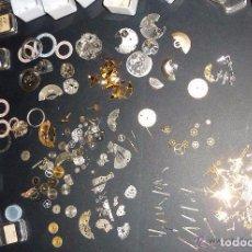Recambios de relojes: GRAN LOTE ANTIGUOS RECAMBIOS PIEZAS RELOJERO FESTINA RICOH MANILLAS RUBIS ENGRANAJES RELOJ. Lote 94057575