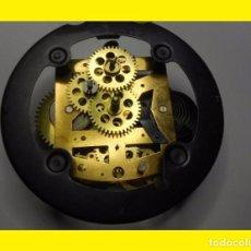 Recambios de relojes: ANTIGUA MAQUINARIA DE RELOJ NUEVA SIN ESTRENAR. SUS MEDIDAS APROXIMADAS SON 9,5 CM. DE DIÁMETRO X 3,. Lote 115969048