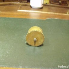 Pièces de rechange de montres et horloges: 1 ANTIGUO CUBO DE MUELLE REAL O BARRILETE - LOTE 82. Lote 108257179
