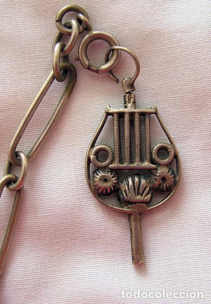 Recambios de relojes: CADENA DE RELOJ DE BOLSILLO DOBLE CON LLAVE RARA - Foto 4 - 111693323