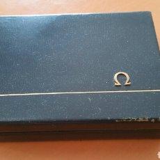 Recambios de relojes: OMEGA LOEWE CAJA ESTUCHE VERDE ORIGINAL LOGO METAL. Lote 112405419