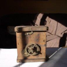 Recambios de relojes: ANTIQUISIMA MAQUINARIA RELOJ RATERA SELVA NEGRA AÑO 1840-50- LOTE 90. Lote 113645111