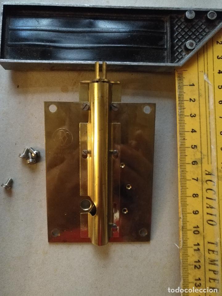 Recambios de relojes: Repuesto PROTECTOR HILO TENSION reloj 400 días, schantz, Kundo, minikundo,etc. ver foto del modelo - Foto 3 - 126750403