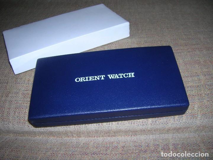 Recambios de relojes: Estuche de reloj Orient Watch. Anolog Quartz Chronograph. Serie HT. El Corte Inglés. Año 2000. - Foto 2 - 132608346