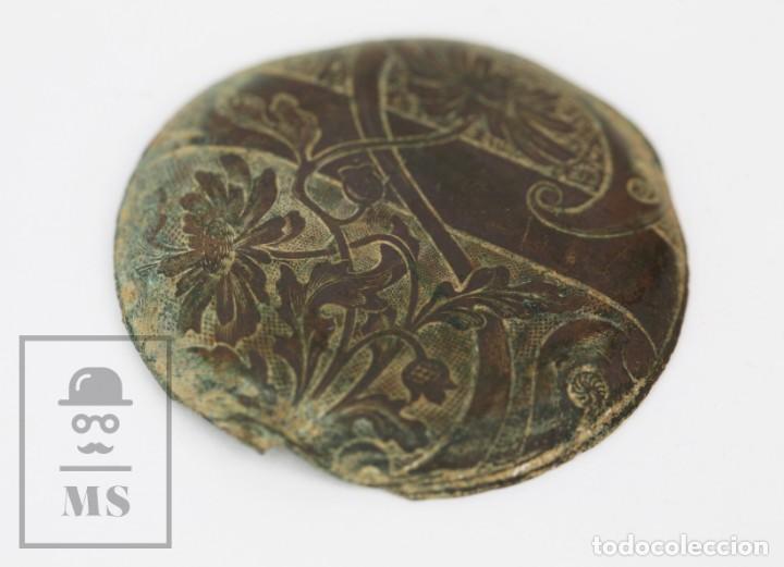 Recambios de relojes: Antigua Tapa de Reloj de Bolsillo - Grabada con Motivos Art Nouveau / Modernistas - Flores - Foto 4 - 133607674