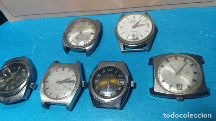 Recambios de relojes: Lote de 6 relojes a cuerda, 4 para ajustar marcha y 2 para reparar o piezas - Foto 2 - 138992038