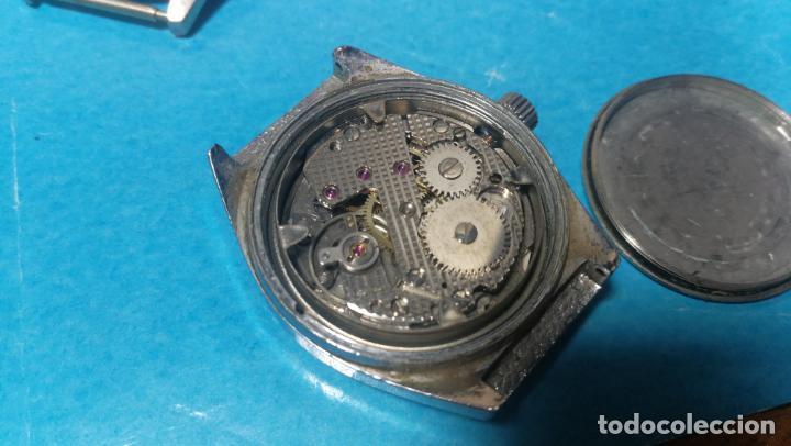 Recambios de relojes: Lote de 6 relojes a cuerda, 4 para ajustar marcha y 2 para reparar o piezas - Foto 7 - 138992038