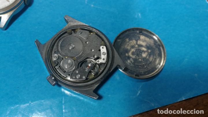 Recambios de relojes: Lote de 6 relojes a cuerda, 4 para ajustar marcha y 2 para reparar o piezas - Foto 12 - 138992038
