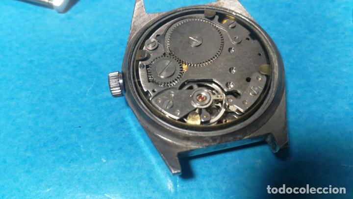 Recambios de relojes: Lote de 6 relojes a cuerda, 4 para ajustar marcha y 2 para reparar o piezas - Foto 13 - 138992038