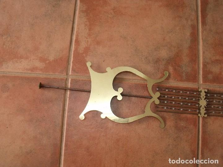 Recambios de relojes: ANTIGUO PENDULO DE LIRA para reloj Morez de pesas - LOTE 160 - Foto 4 - 188433125