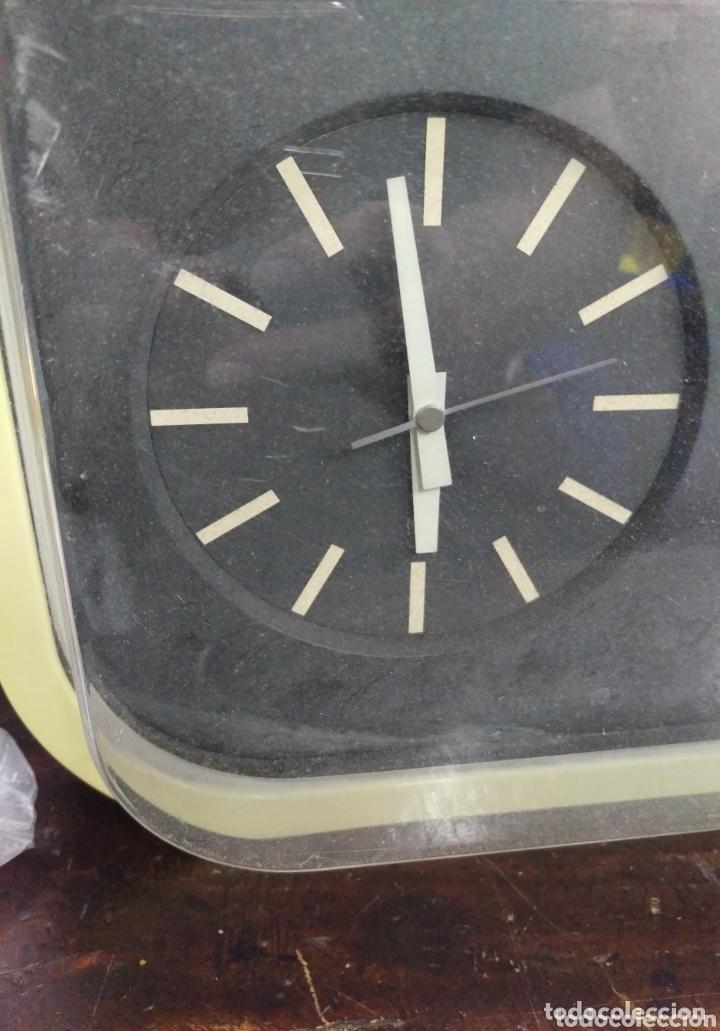 Recambios de relojes: RELOJ DE PARED DE PALETAS GRANDE PARA PIEZAS O RESTAURAR - Foto 2 - 173863332