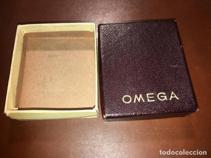 Recambios de relojes: Caja de carton para reloj Omega, mide 5,5x4,8x1,5 cms. la parte blanca suelta en dos esquinas. - Foto 2 - 181119178