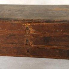Recambios de relojes: ANTIGUA CAJONERA CONTENIENDO FORNITURA DE RELOJES DE BOLSILLO (VER FOTOS DEL CONTENIDO). Lote 183826978