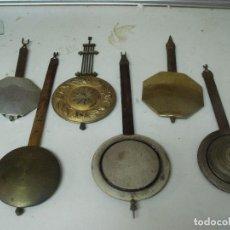 Recambios de relojes: ¡¡¡ GRAN OFERTA !!!!!!GRAN LOTE DE 5 PENDULOS ANTIGUOS PARA RELOJES DE PARED- LOTE 107. Lote 210257338