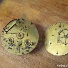 Recambios de relojes: 2 PLETINAS CON PIEZAS DE MAQUINARIA PARIS-RELOJ SOBREMESA- LOTE 205. Lote 192142815