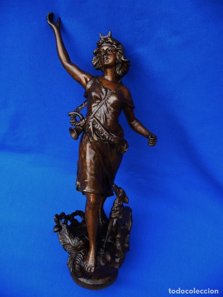 Recambios de relojes: Escultura, niña con perro, para embellecer el reloj o la decoración, ref 05. - Foto 2 - 194700185