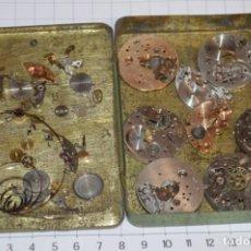 Recambios de relojes: ANTIGUO - VINTAGE - CAJA CON DE PIEZAS / ACCESORIOS - DESGUACE VARIADOS RELOJES - ¡MIRA! LOTE 04. Lote 211471340