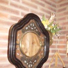 Recambios de relojes: ANTIGUA CAJA DE MADERA Y ESCAYOLA PARA OJO DE BUEY- AÑO 1890 PARA RESTAURAR O PIEZAS-LOTE 305. Lote 218740038