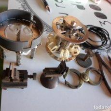 Recambios de relojes: ANTIGUOS UTILLAJES DE RELOJERIA. Lote 221298833