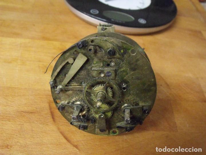 ANTIGUA MAQUINARIA PARIS PARA RELOJ SOBREMESA-AÑO 1870- LOTE 317- FUNCIONA (Relojes - Recambios)