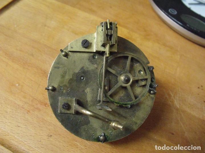 Recambios de relojes: Antigua maquinaria Paris para reloj sobremesa-año 1870- lote 317- FUNCIONA - Foto 2 - 225882291