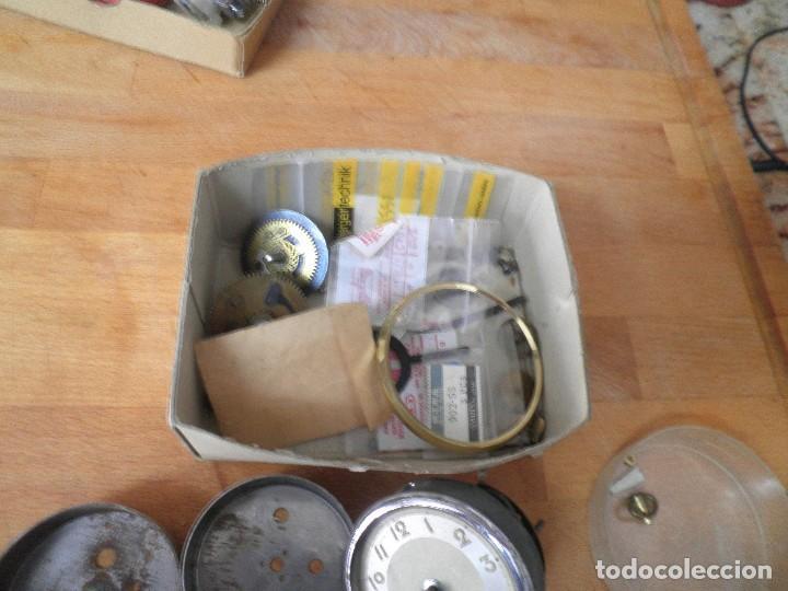 Recambios de relojes: lote de piezas de despertador- lote 326 - Foto 3 - 228892513