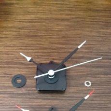 Recambios de relojes: MECANISMO DE RELOJ DE QUARZO (PRECIO X 2 UNIDADES). Lote 243076435