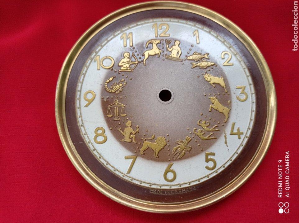 Recambios de relojes: ANTIGUAS PIEZAS DE RELOJ, PÉNDULO DE TORSIÓN Y ESFERA HORÓSCOPO ANIVERSARIO - Foto 5 - 268618094