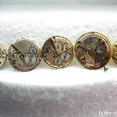 Recambios de relojes: INTERANTE LOTE DE 5 BUENAS MAQUINAS MECANICAS ANTIGUAS 4 ACCURIST Y 1 OSCAR REPARAR O PIEZAS. Lote 274935298