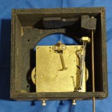 Recambios de relojes: ANTIGUA MAQUINARIA DE RELOJ DE PARED GERMANY CON CAJA DE MADERA. Lote 280607678
