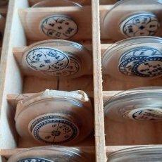 Recambios de relojes: CAJA CON CRISTALES MINERALES RELOJ DE PULSERA DIFERENTES TAMAÑOS PROCEDENTES DE ANTIGUA RELOJERIA. Lote 287388548