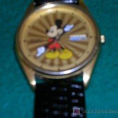 Relojes - Seiko: CURIOSO RELOJ ANIVERSARIO MICKEY MOUSE DISNEYLANDIA DORADO MUY BIEN. Lote 25463156