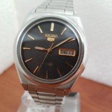 Relojes - Seiko: RELOJ DE CABALLERO (VINTAGE) SEIKO AUTOMÁTICO 21 RUBIS CON DOBLE CALENDARIO A LAS TRES CALIBRE 7009A. Lote 169818914