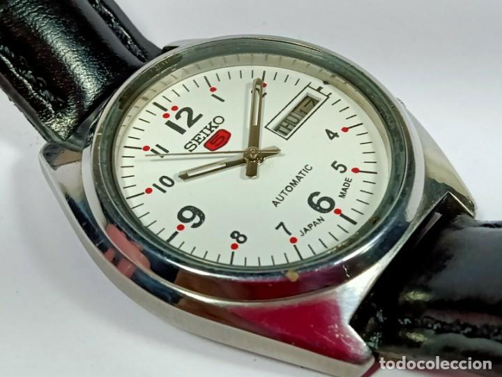 Relojes - Seiko: Vintage Seiko 5 Movimiento automático, reloj analógico con dial de fecha y día - Foto 5 - 194588711