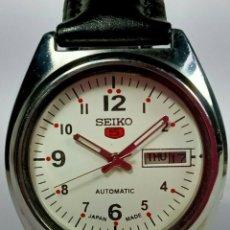 Relojes - Seiko: VINTAGE SEIKO 5 MOVIMIENTO AUTOMÁTICO, RELOJ ANALÓGICO CON DIAL DE FECHA Y DÍA. Lote 194588711
