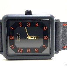 Relojes - Seiko: CURIOSO RELOJ SEIKO AÑOS 80 DE CUARZO CALIBRE 5P30 Y NUEVO A ESTRENAR. Lote 204698735