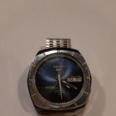 Relojes - Seiko: SEIKO 5 RELOJ VINTAGE CON CALENDARIO CON ELEGANTE ESFERA AZUL 21 JEWELS AUTOMATIC (G). Lote 217943128