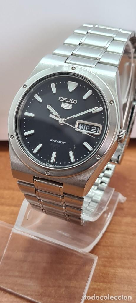 Relojes - Seiko: Reloj caballero (Vintage) SEIKO 5, automático 21 rubis, esfera negra, doble calendario a las tres. - Foto 2 - 284393683