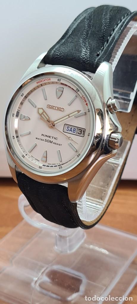 Relojes - Seiko: Reloj (Vintage) SEIKO. Kinetic, automático, esfera blanca, doble calendario tres, correa cuero negra - Foto 2 - 284396488