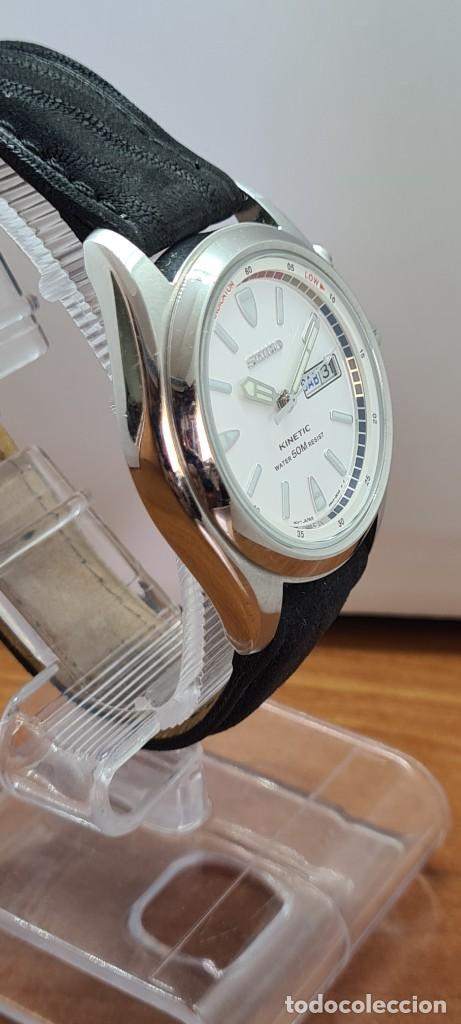 Relojes - Seiko: Reloj (Vintage) SEIKO. Kinetic, automático, esfera blanca, doble calendario tres, correa cuero negra - Foto 8 - 284396488