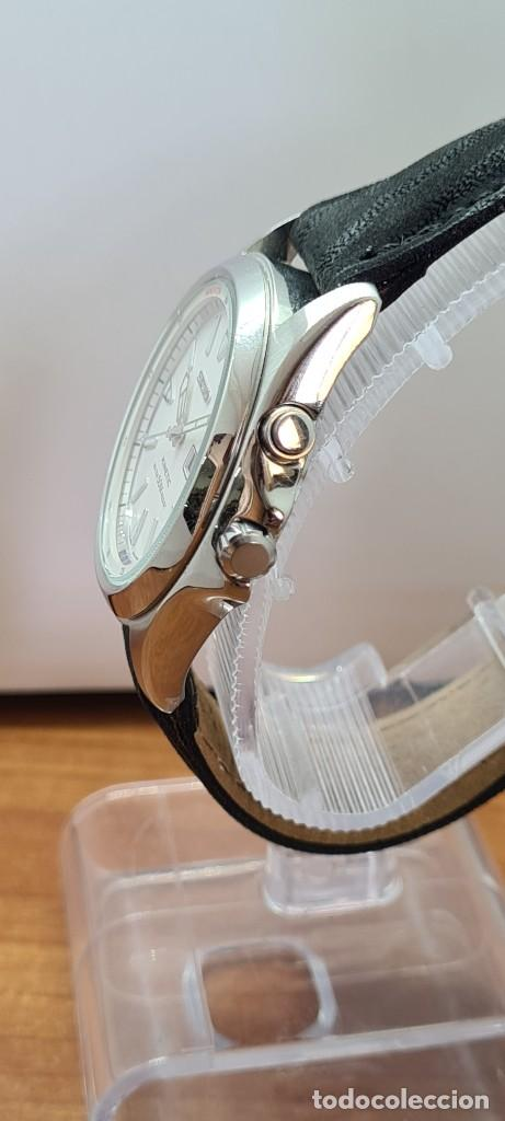 Relojes - Seiko: Reloj (Vintage) SEIKO. Kinetic, automático, esfera blanca, doble calendario tres, correa cuero negra - Foto 9 - 284396488