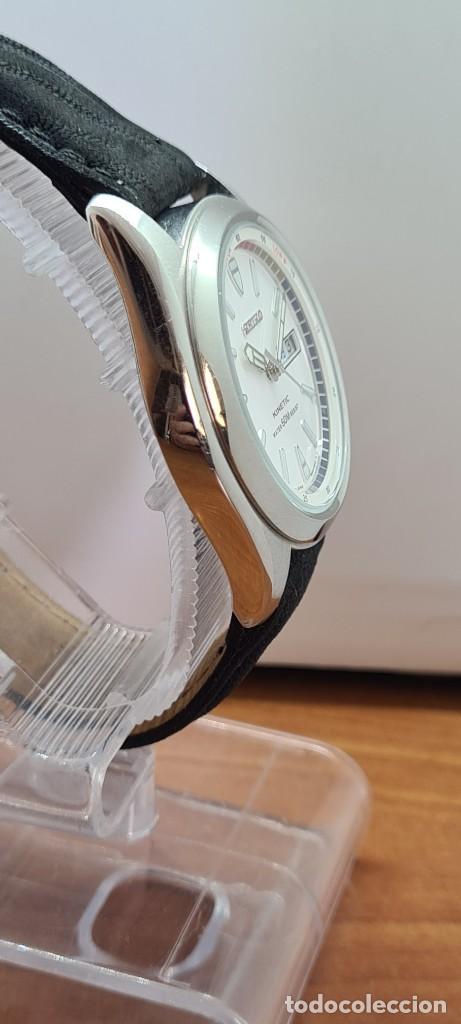 Relojes - Seiko: Reloj (Vintage) SEIKO. Kinetic, automático, esfera blanca, doble calendario tres, correa cuero negra - Foto 11 - 284396488