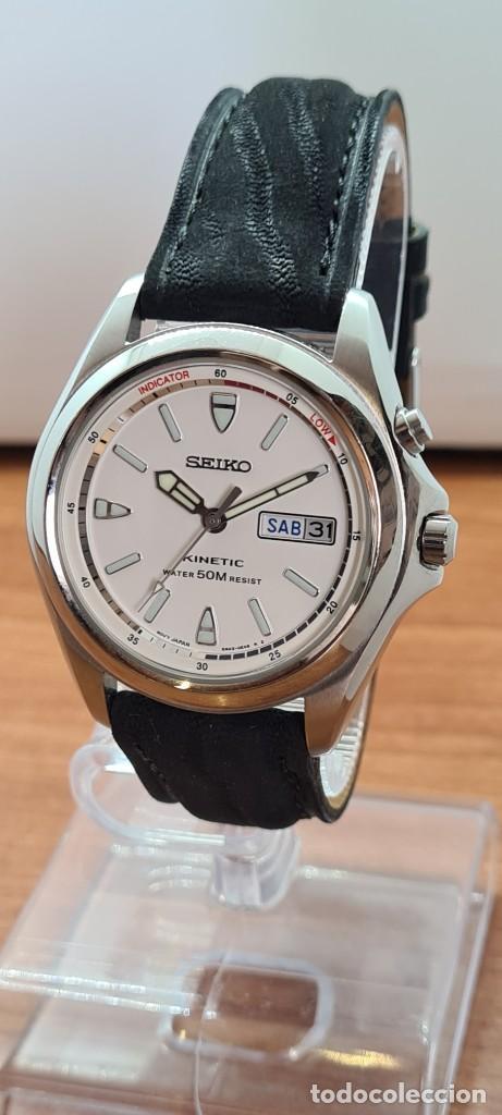 Relojes - Seiko: Reloj (Vintage) SEIKO. Kinetic, automático, esfera blanca, doble calendario tres, correa cuero negra - Foto 12 - 284396488
